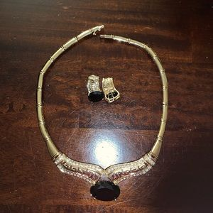 Jewelry - Black Cleopatra necklace with earrings!